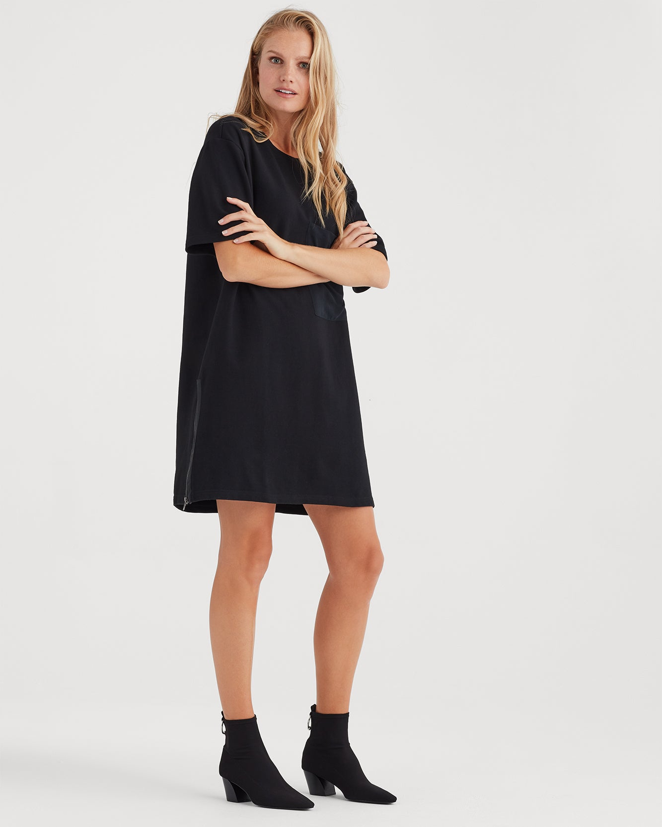 Image of Large Pocket Dress in Black
